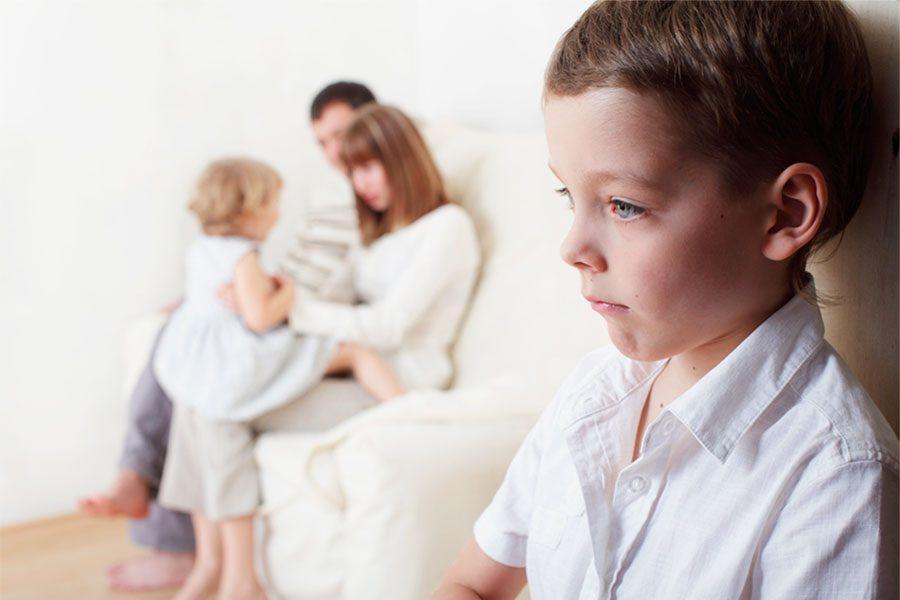 Особенности усыновления ребенка