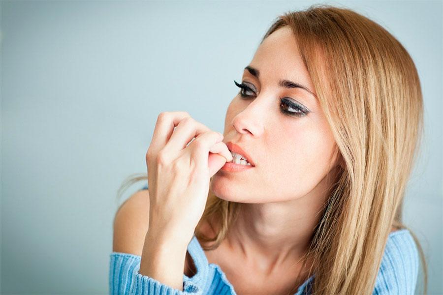 Как можно перестать грызть ногти
